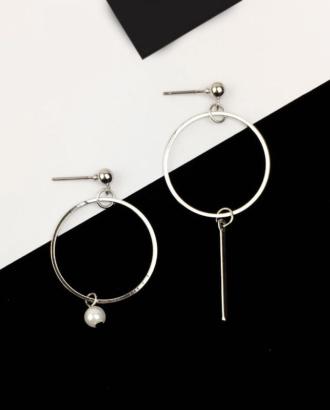 bijoux d'oreilles asymétriques argentés