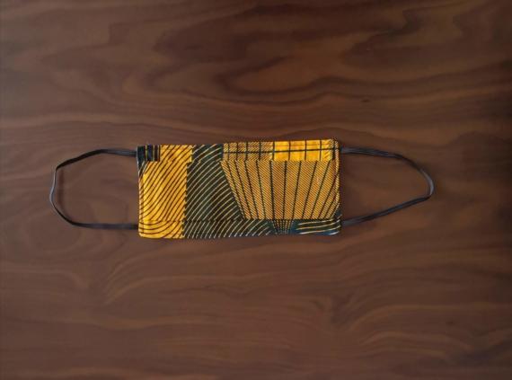 masque en wax bleu et jaune avec elastiques pour oreilles chez dikta